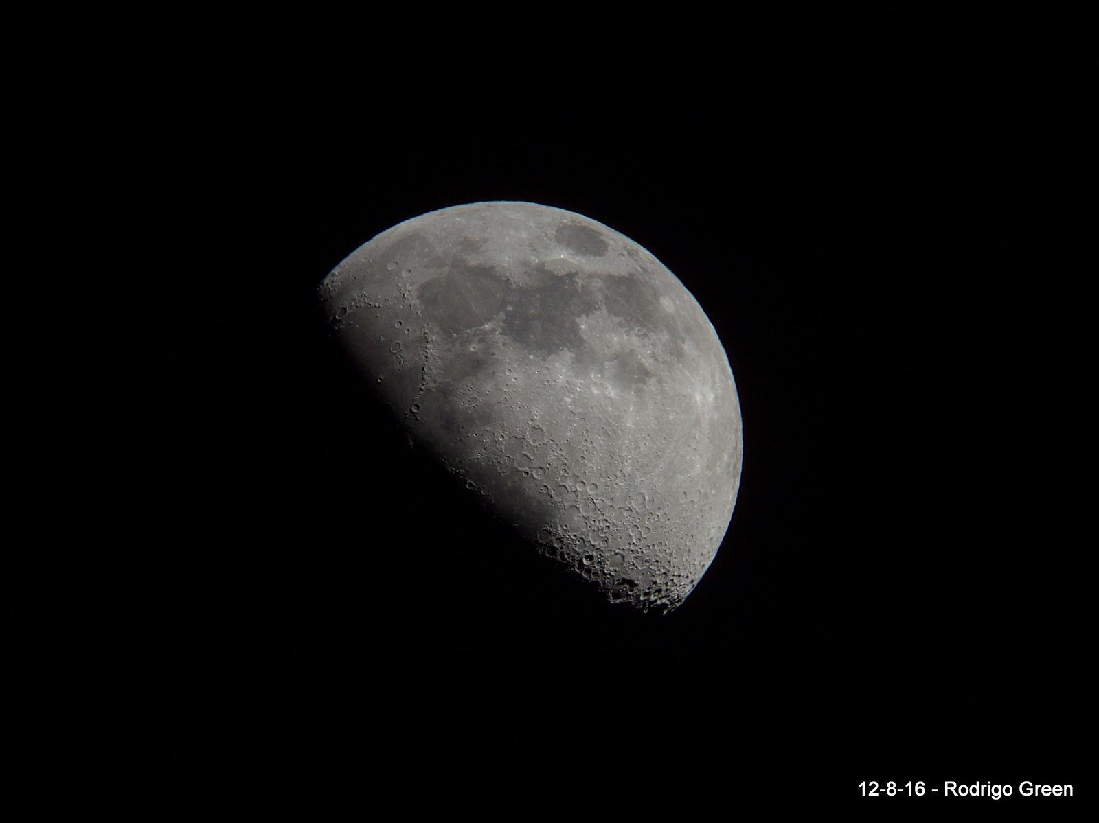 Luna 12 de agosto